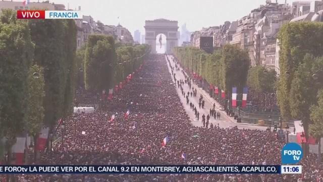 Continúa la fiesta del mundial en los Campos Elíseos de Francia