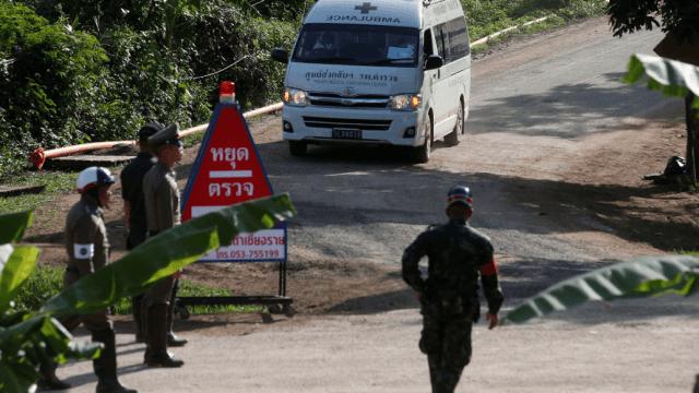 Al menos cuatro nuevos rescatados de cueva en Tailandia
