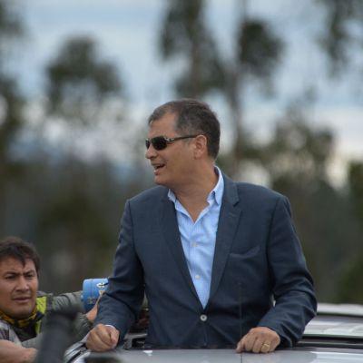Justicia ecuatoriana pide a Interpol arrestar y extraditar a Rafael Correa