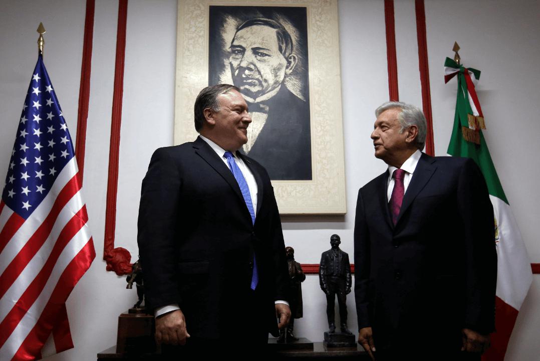 López Obrador recibe a Mike Pompeo en casa de transición