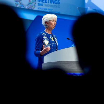 EU, el más vulnerable en guerra comercial: Lagarde