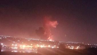 Explota depósito militar combustible aeropuerto El Cairo