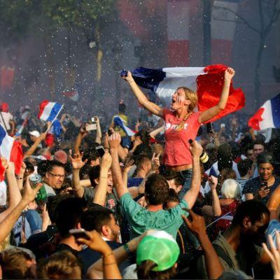 Francesas denuncian abusos sexuales durante festejos por el Mundial