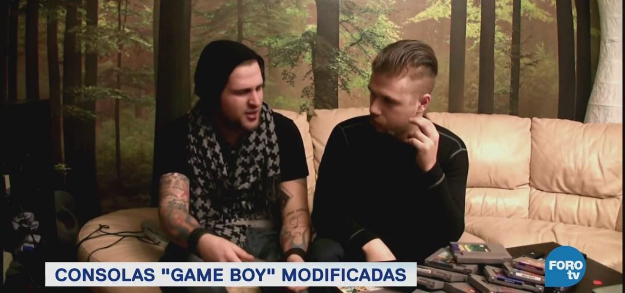 Game boy modders consolas sido modificadas.