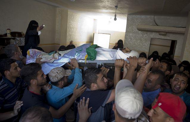 Mueren tres palestinos por bombardeos israelíes en Gaza