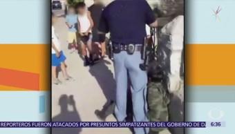 Graban a agente de Texas que apunta pistola a niños