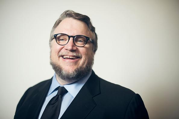 Tuiteros 'destruyen' a cineasta becado por Guillermo Del Toro