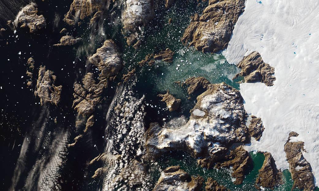 NASA difunde fotos de iceberg frente a Groenlandia