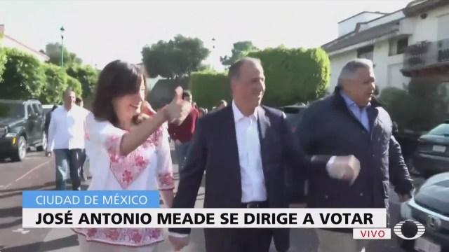 José Antonio Meade emite su voto en la Ciudad de México