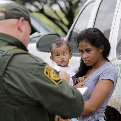 Juez ordena a Estados Unidos entregar lista de niños migrantes separados