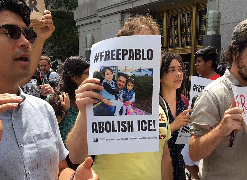 Liberan a migrante ecuatoriano detenido en Estados Unidos cuando entregaba pizza
