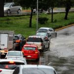 Lluvia provoca inundaciones en Iztacalco e Iztapalapa