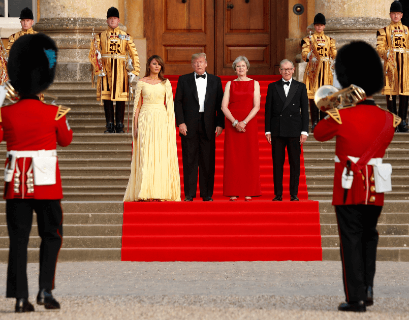 Trump es recibido con ceremonia militar en Inglaterra