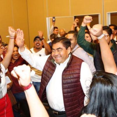 Barbosa acusa 'brazo largo' de Moreno Valle en elección de Puebla