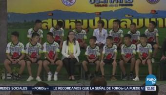 Niños rescatados de cueva en Tailandia describen su odisea