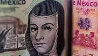 Peso mexicano se aprecia por repliegue del dólar, a 18.96