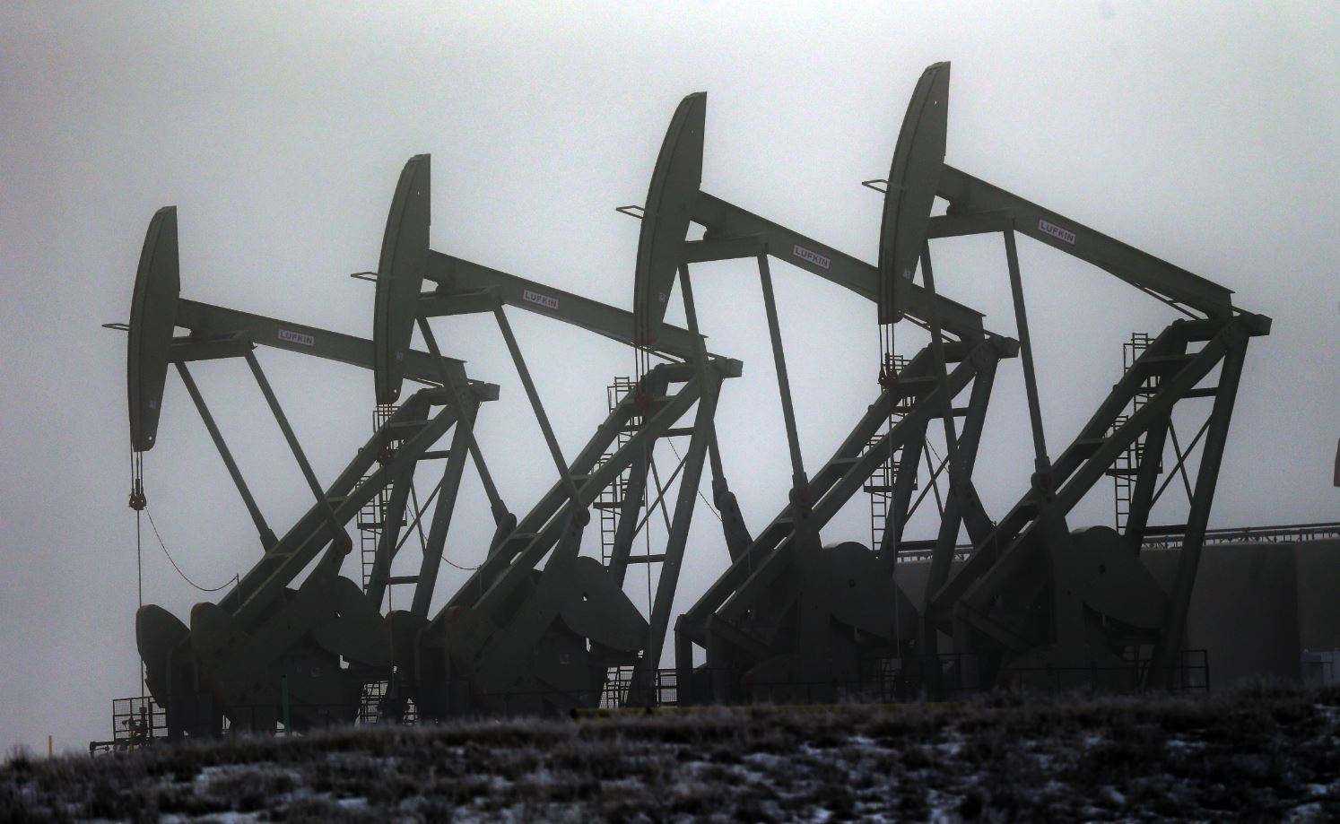 Precios del crudo se desplomaron este lunes