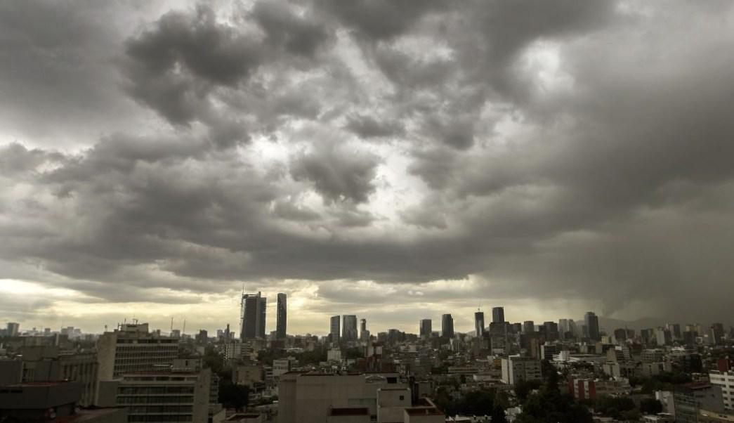 Pronostican lluvias menores y chubascos en Valle de México