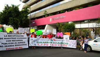 damnificados 19s se manifiestan frente secretaria obras cdmx