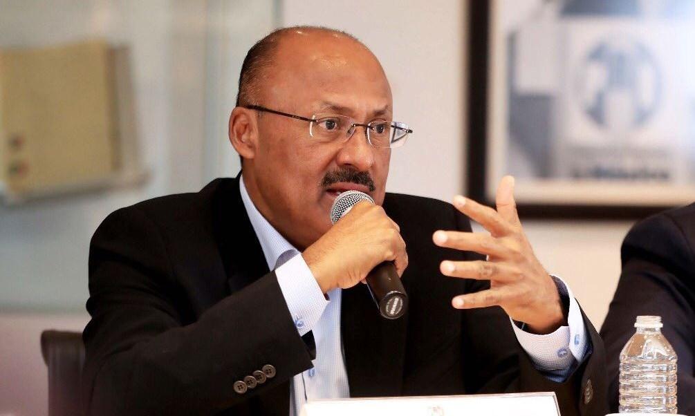 México se va a convertir en Disneylandia, dice René Juárez