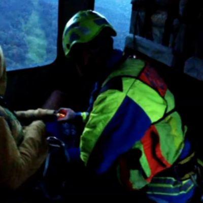 Rescatan a una persona extraviada en el Nevado de Colima