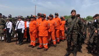 Guatemala recuerda a héroes caídos a un mes de la erupción