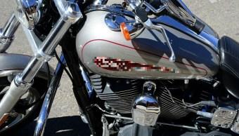 Asaltantes motorizados roban a motociclista en Tlalnepantla