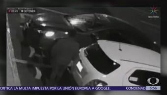 Roban llantas en estacionamiento de plaza comercial en Puebl