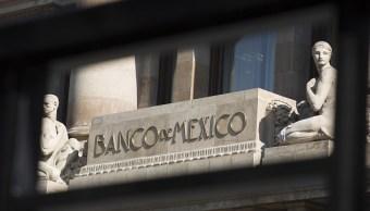 Se materializan riesgos al alza para la inflación: Banxico
