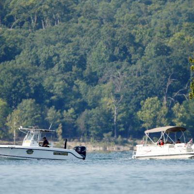 Hallan cuatro cuerpos tras naufragio en Missouri; cifra de muertos asciende a 17