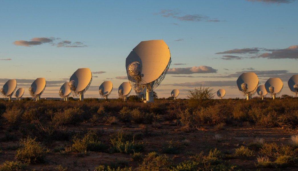 Sudáfrica inaugura desierto Karoo radiotelescopio Meerkat