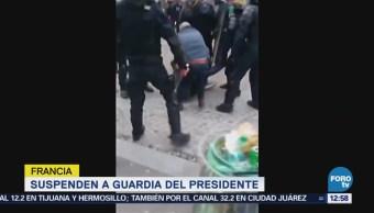 Suspenden a escolta del presidente Macron por golpear a manifestantes