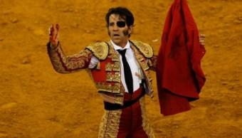 Toro arranca cuero cabelludo a torero durante corrida España