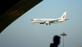 Vuelo Air China regresa París tras amenaza terrorista