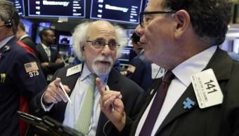 Wall Street cierra ganancias y Nasdaq logra nuevo récord
