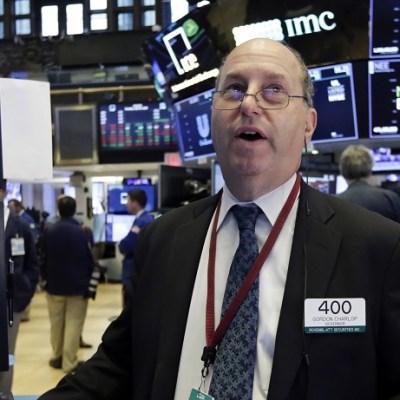 Wall Street cierra mixto y el Dow Jones avanza 0.79 por ciento