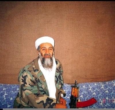 Madre de Osama Bin Laden: A mi hijo 'le lavaron el cerebro'