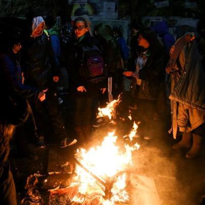 Se registran disturbios tras rechazo a despenalizar el aborto en Argentina