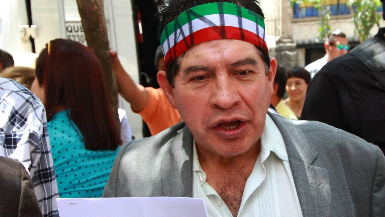 Juanito pide reunirse con López Obrador