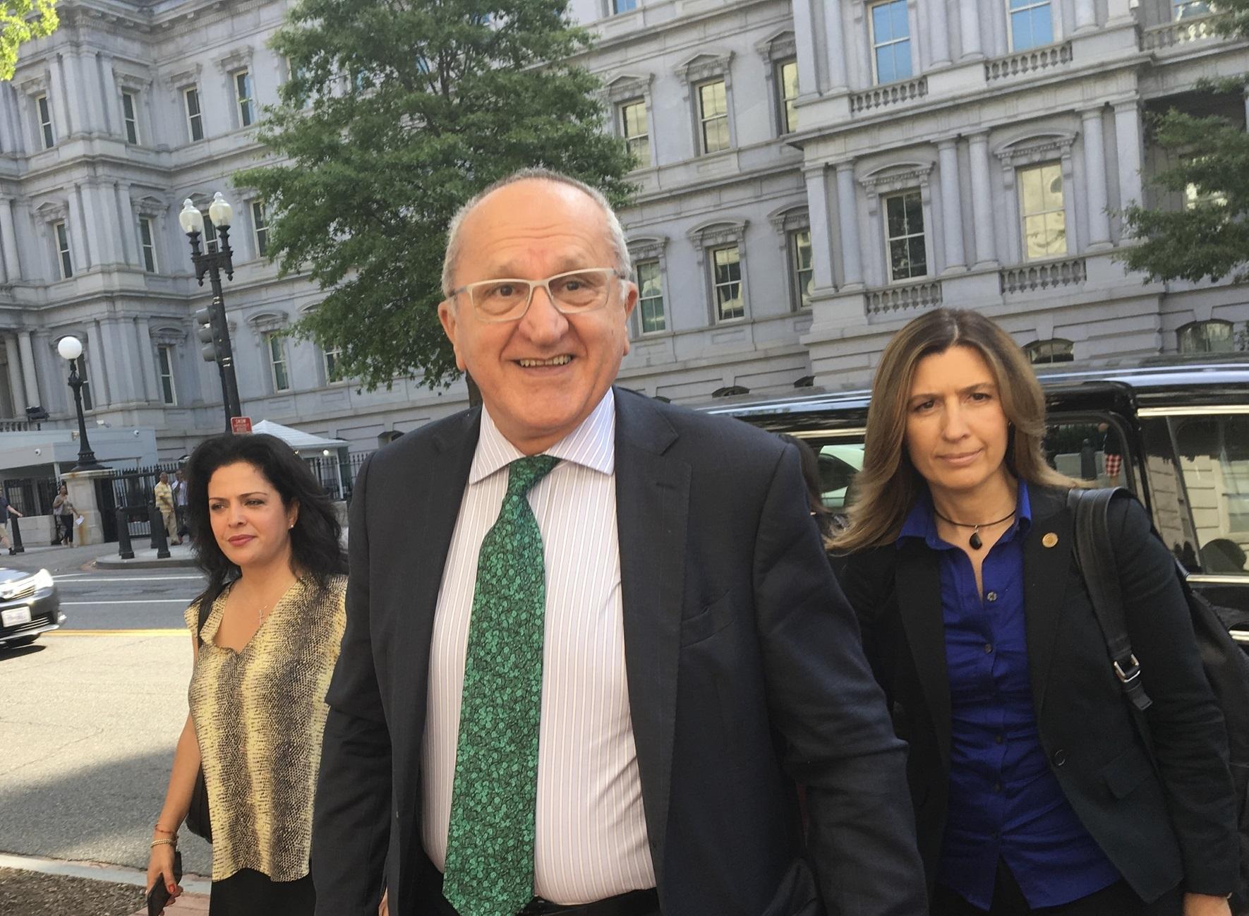 Equipo de AMLO rechaza revisión de TLCAN cada 5 años
