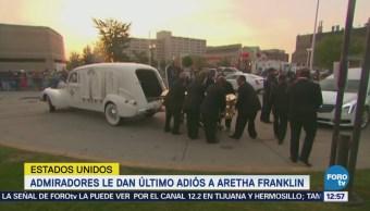 Admiradores de Aretha Franklin hacen filas para último adiós