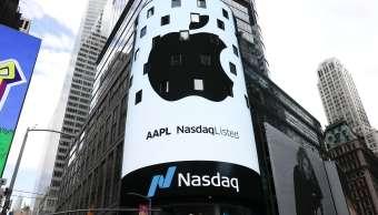 Apple logra récord Wall Street vale billón dólares