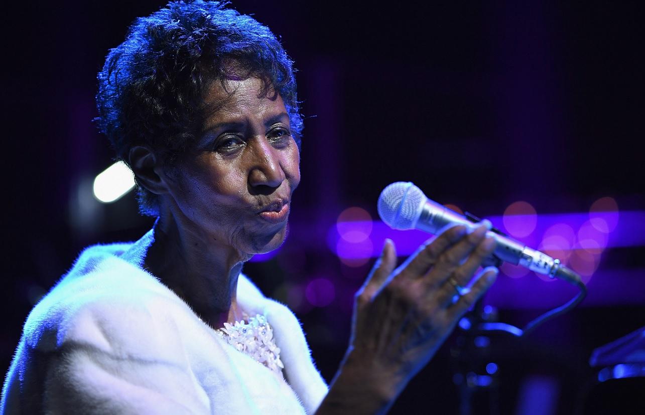 Tuiteros y celebridades muestran 'Respect' para Aretha Franklin
