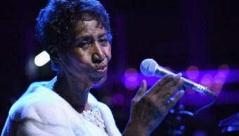 Aretha Franklin está consciente, según su sobrino