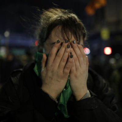 Senado de Argentina rechaza despenalizar el aborto