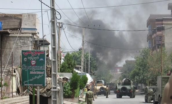 Atentado contra mezquita chií en Afganistán deja 30 muertos