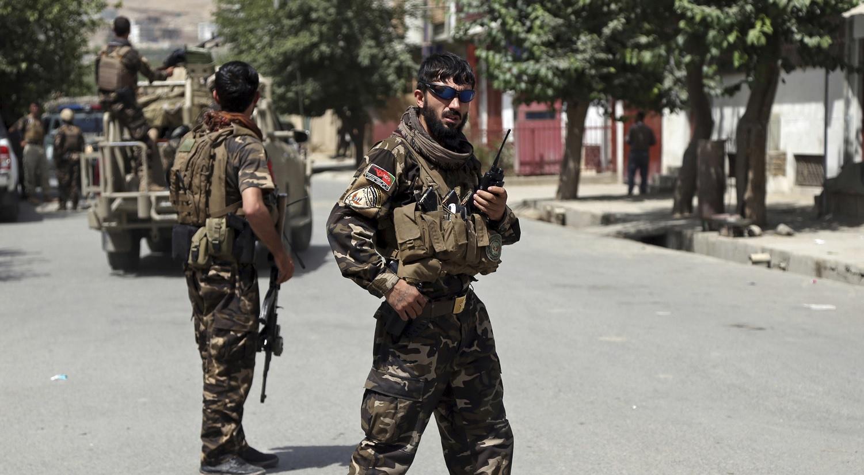 Lanzan ataque durante discurso de presidente — Afganistán