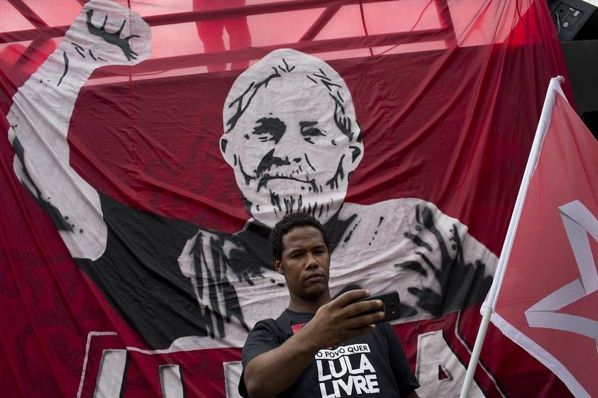 Corte electoral vota contra candidatura presidencial de Lula