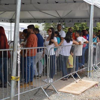 Miles de venezolanos abandonan Brasil tras ataques violentos