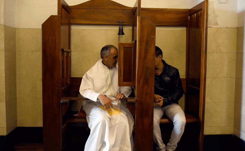 Resultado de imagen para imagenes confesion catolica